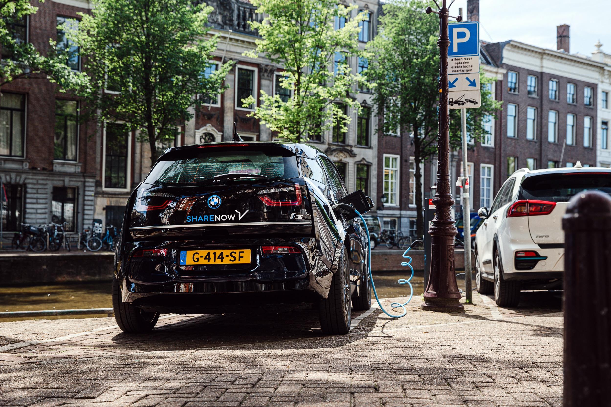 Record per SHARE NOW: raggiunti 200 milioni di km con auto elettriche thumbnail
