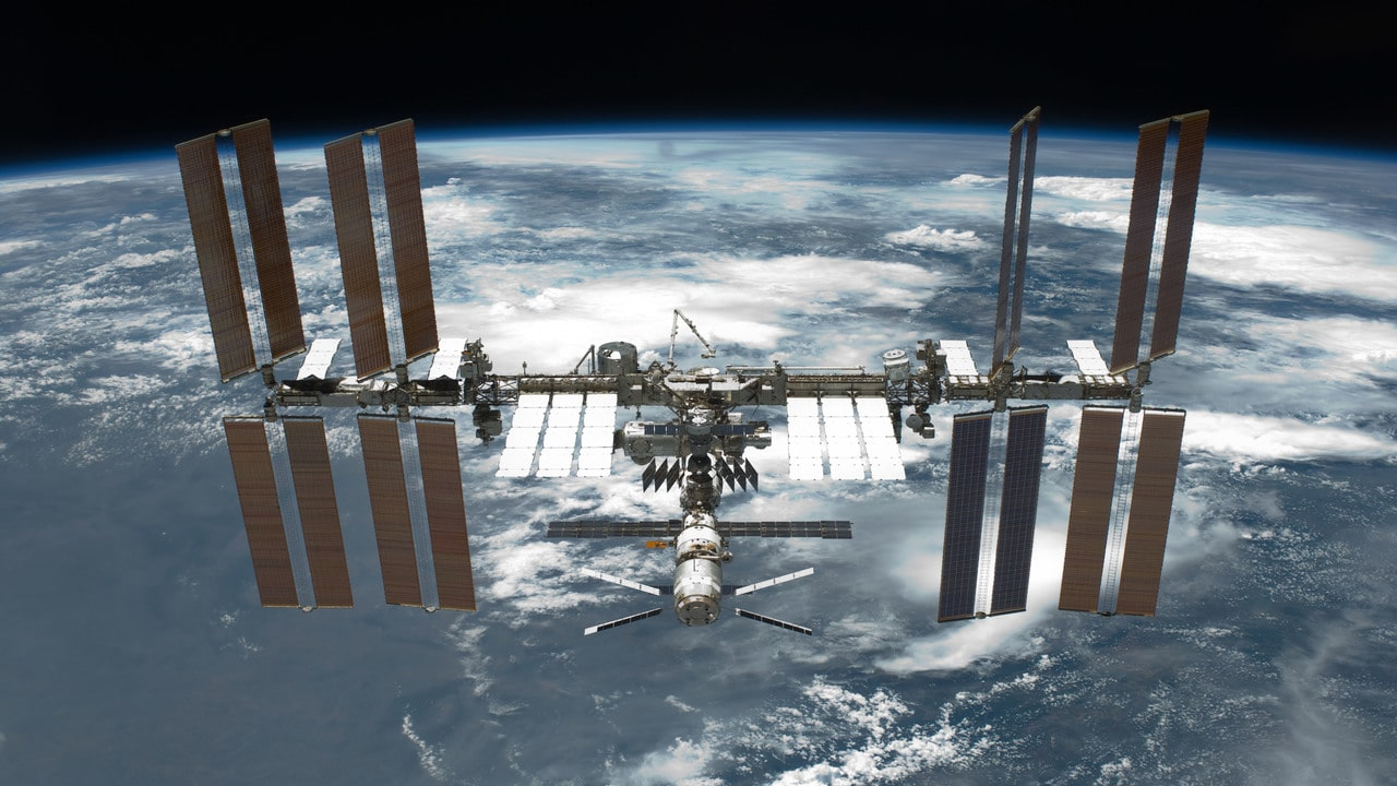 Stazione Spaziale Internazionale: installati i nuovi pannelli solari thumbnail