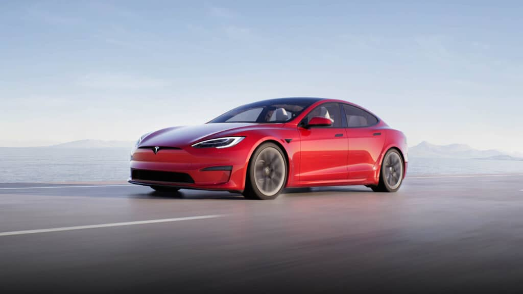 Tesla Model S Plaid - ricarica rapida