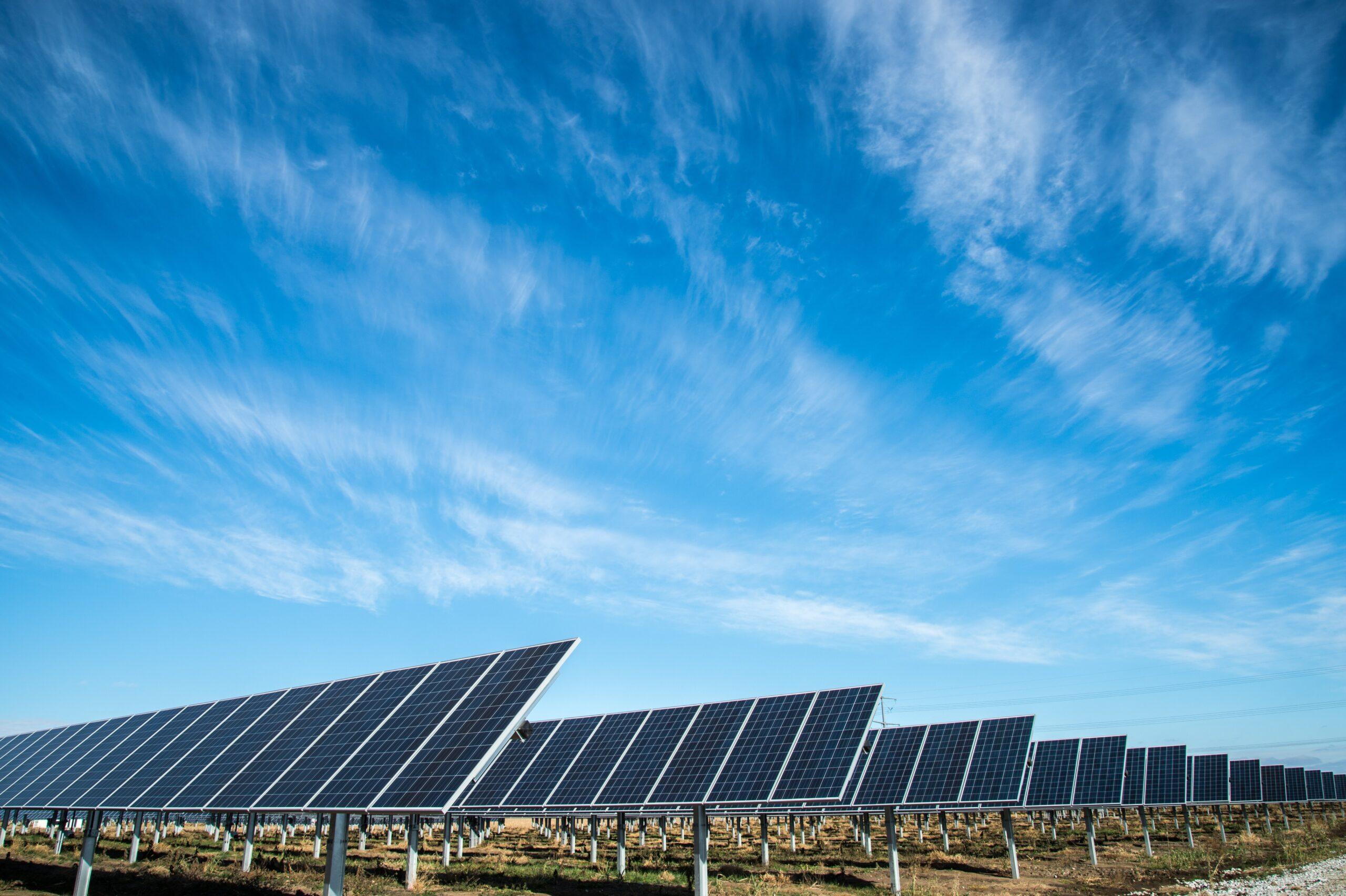 Pannelli solari non solo sui tetti ma anche negli oggetti comuni thumbnail