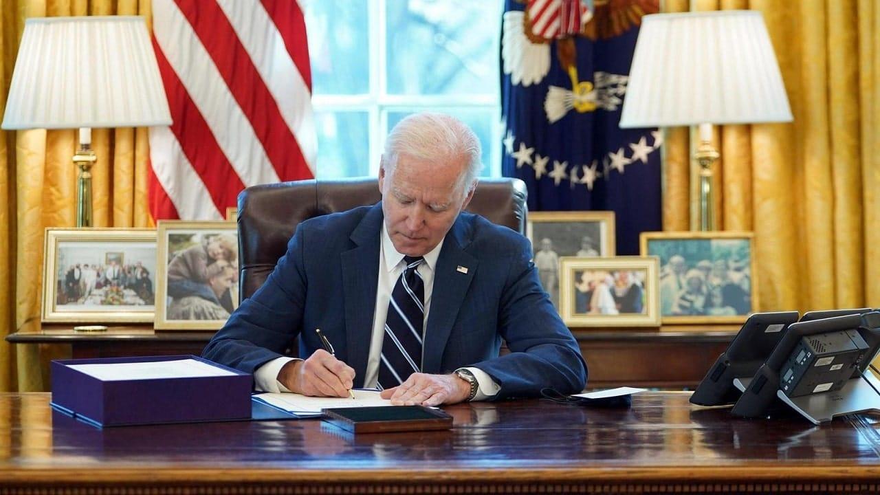 Biden revoca i divieti di Trump per TikTok e WeChat thumbnail
