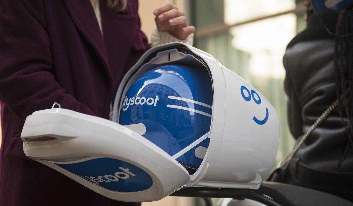 Cityscoot: doppio casco e bauletto per la flotta di Milano thumbnail