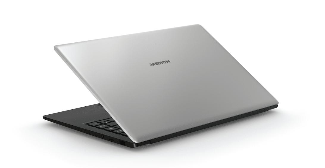 MEDION E4251: il nuovo notebook in offerta dal 21 giugno su Amazon thumbnail