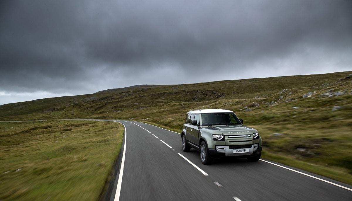 Jaguar Land Rover presenterà una Defender a idrogeno thumbnail