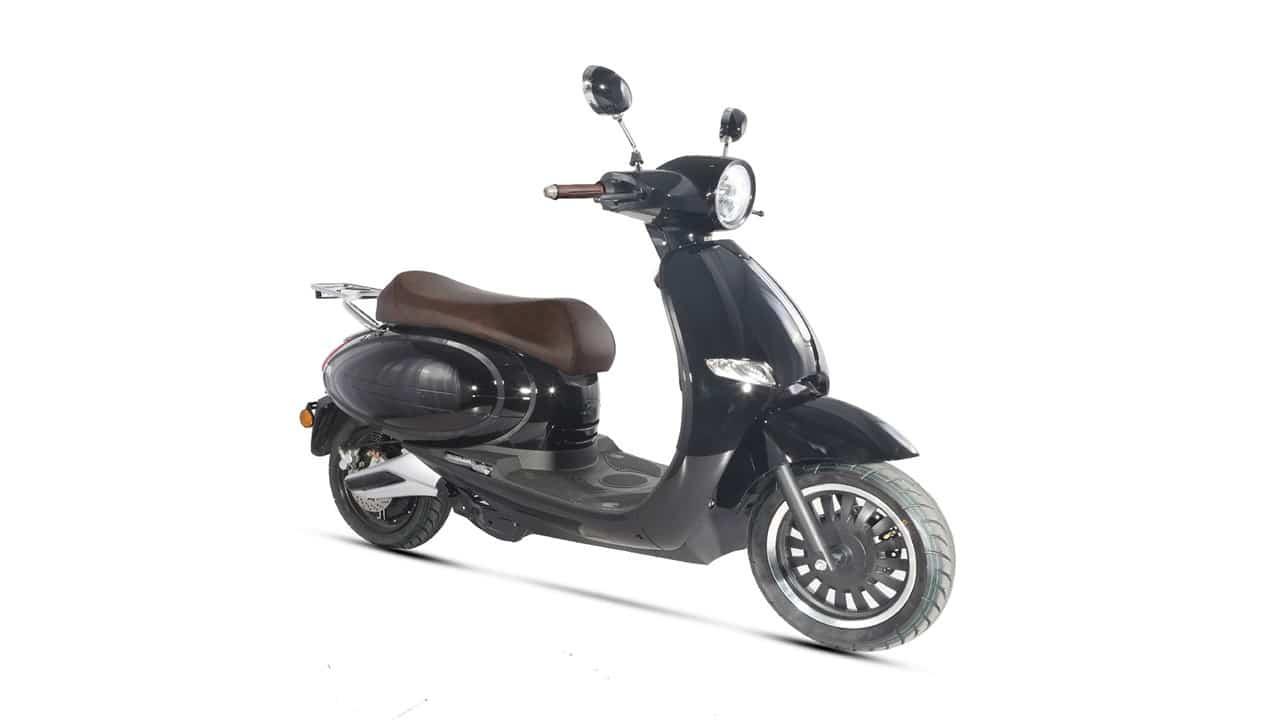 Norauto presenta il nuovo scooter elettrico WAYSCAL E-QUIP 45 thumbnail