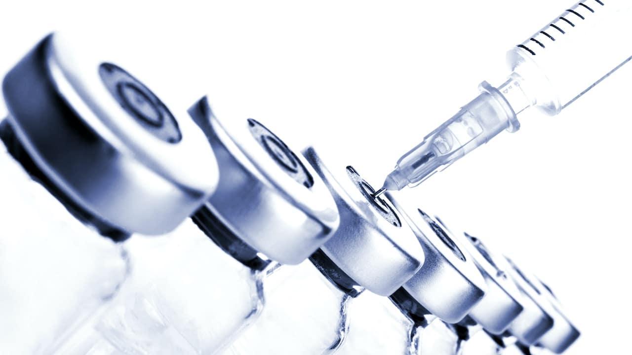 Vaccinazione eterologa: l'efficacia e i dubbi thumbnail