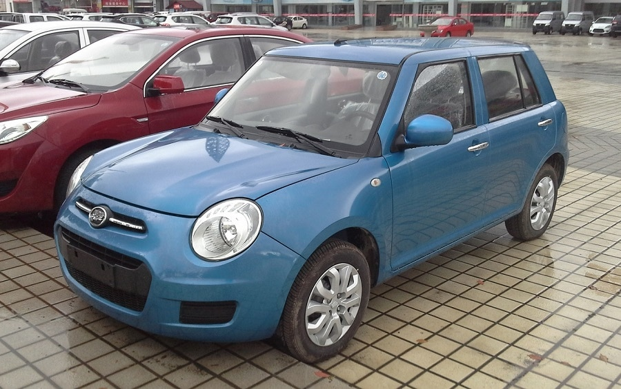 Auto copie cinesi Lifan 330