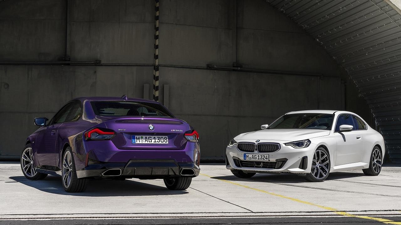 BMW Serie 2 Coupé, la più piccola sportiva bavarese cambia totalmente fuori, dentro e sotto il cofano thumbnail