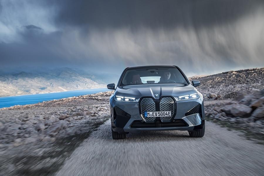 BMW iX frontale
