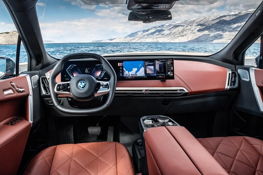 BMW iX 2021 interni