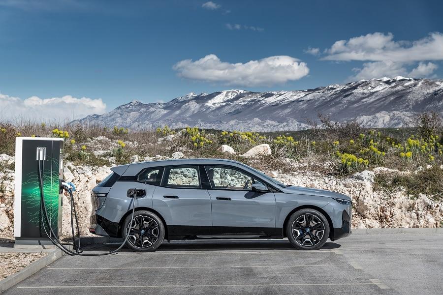 BMW iX 2021 ricarica