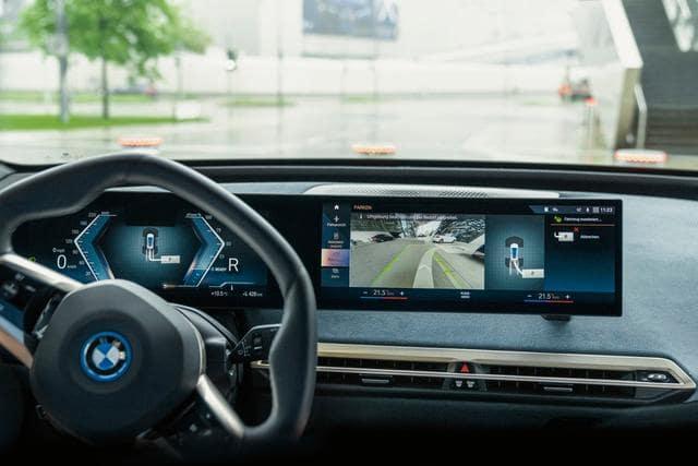 BMW iX produzione-min