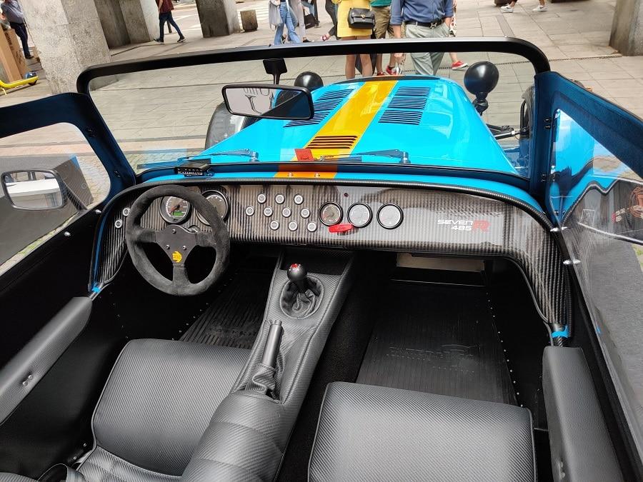Cabrio economiche Caterham 275 interni