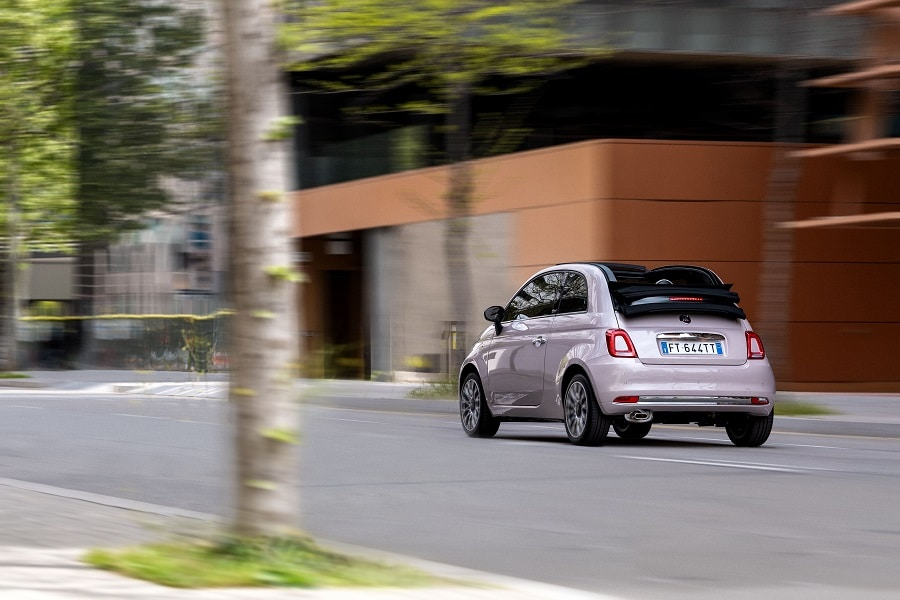 Cabrio-economiche-FIAT-500C-posteriore