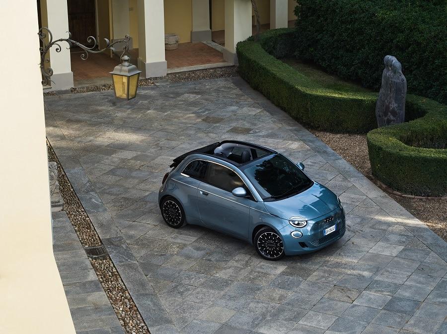 Cabrio economiche FIAT 500E frontale