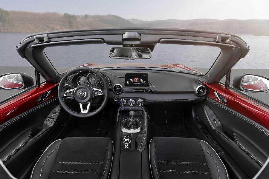 Cabrio economiche Mazda MX-5 interni