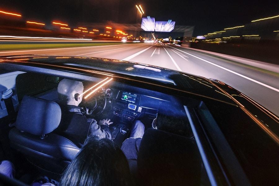 Consigli-viaggio-auto-notte