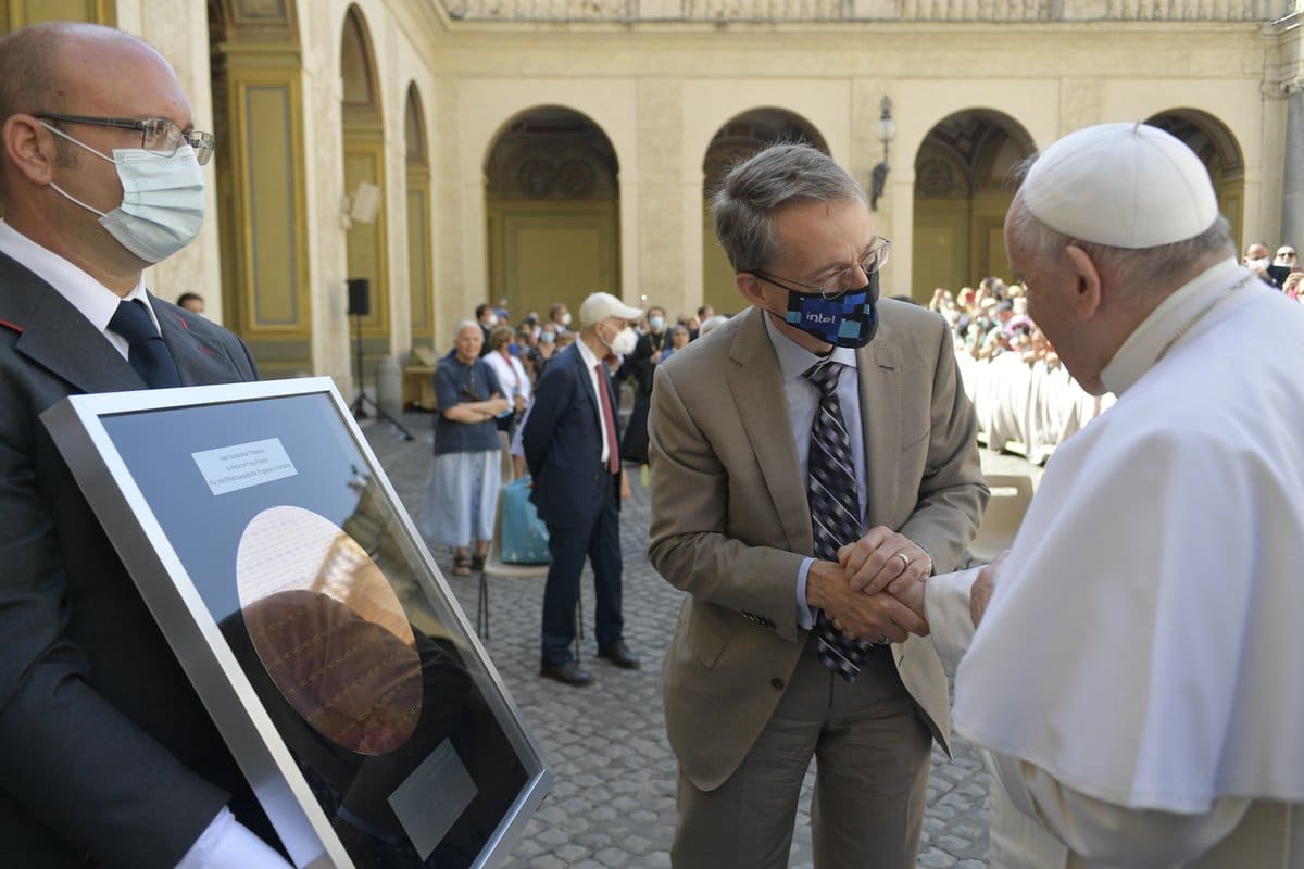 Pat Gelsinger in Europa e in Italia: l'incontro con Papa Francesco thumbnail
