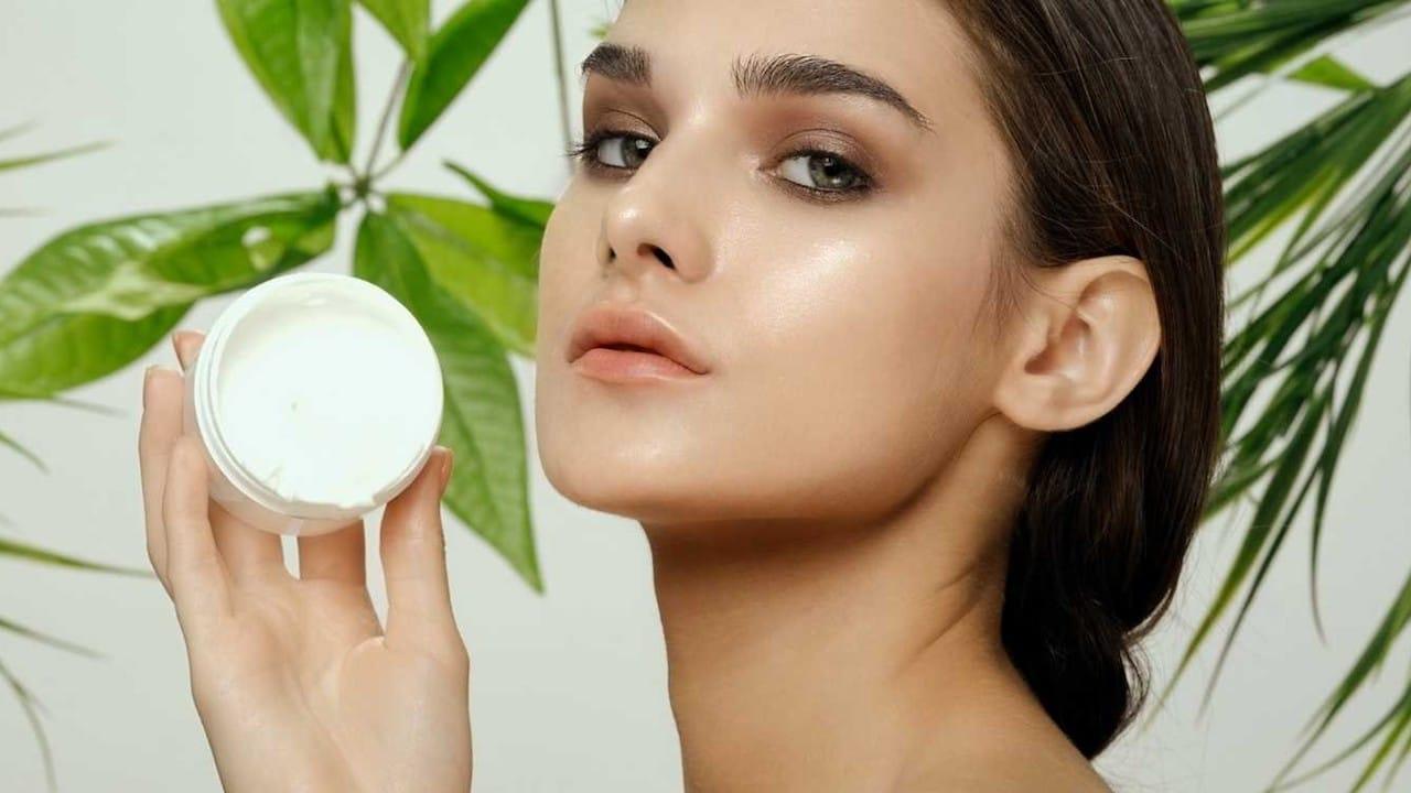 Eco Bio Boutique, la cosmesi sostenibile incontra il digitale thumbnail