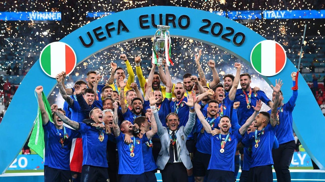 L'Italia vince Euro 2020: le reazioni della Nazionale sui social thumbnail