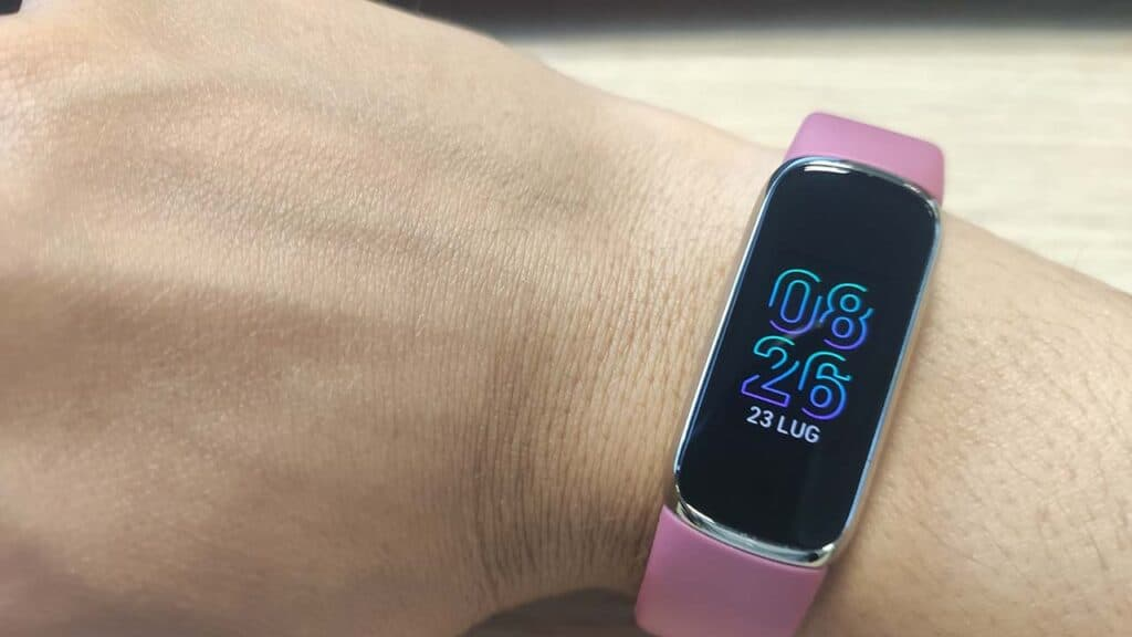 Fitbit luxe recensione