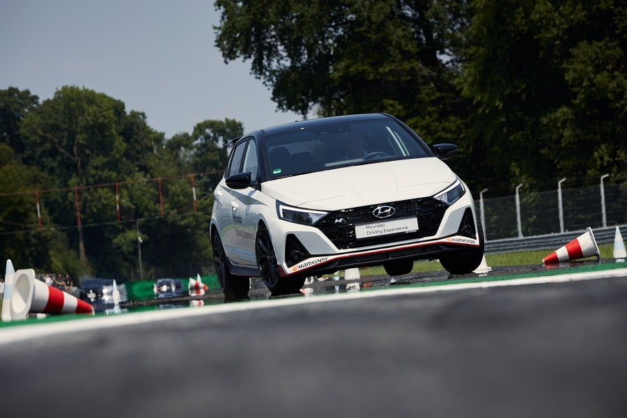 Hyundai Driving Experience slalom