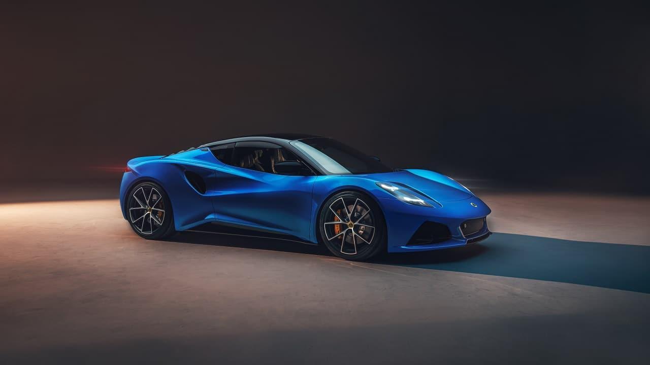 Lotus Emira, l'ultima auto termica della Casa di Hethel: motore V6 o AMG, fino a 400 CV e 1400 kg thumbnail