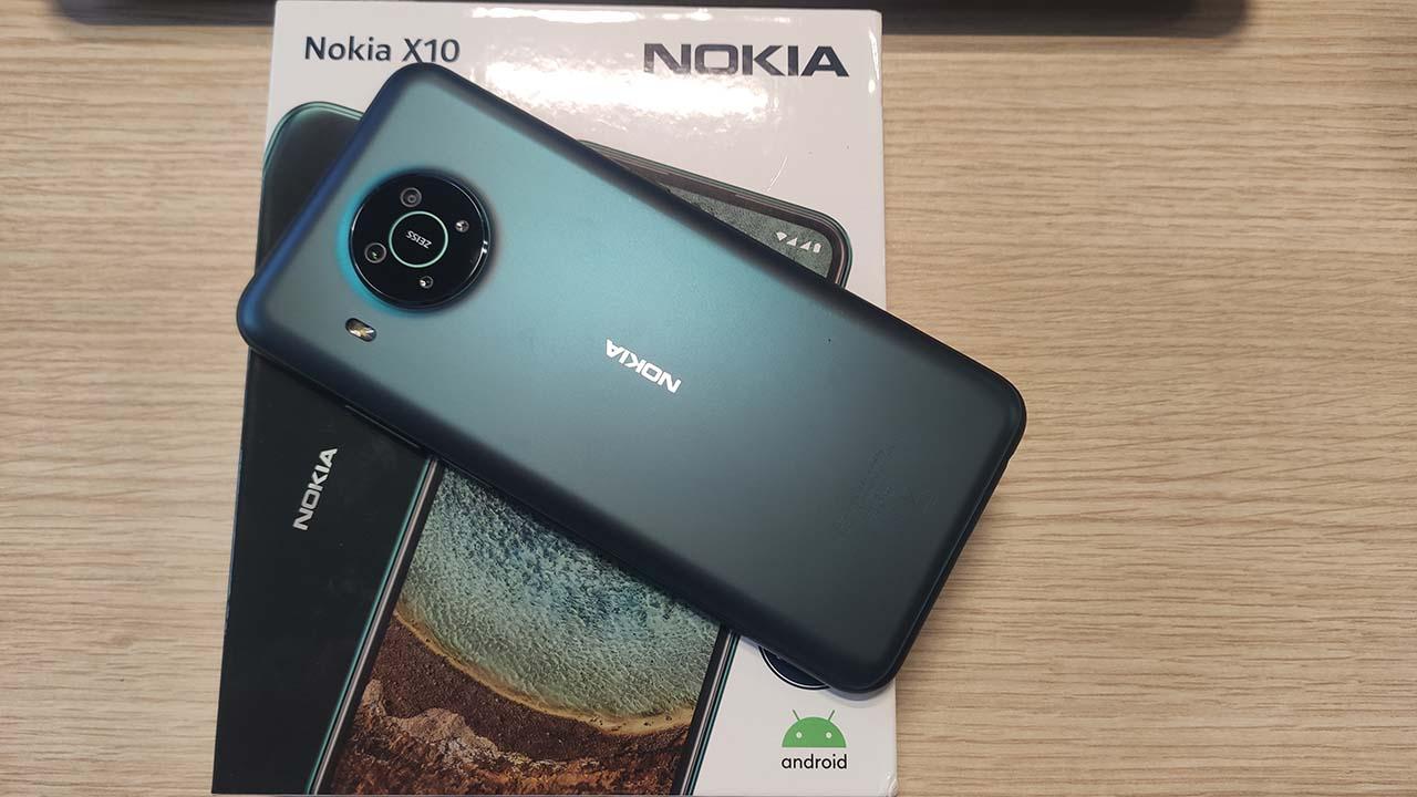 La nostra recensione di Nokia X10: un nuovo piccolo arrivato thumbnail