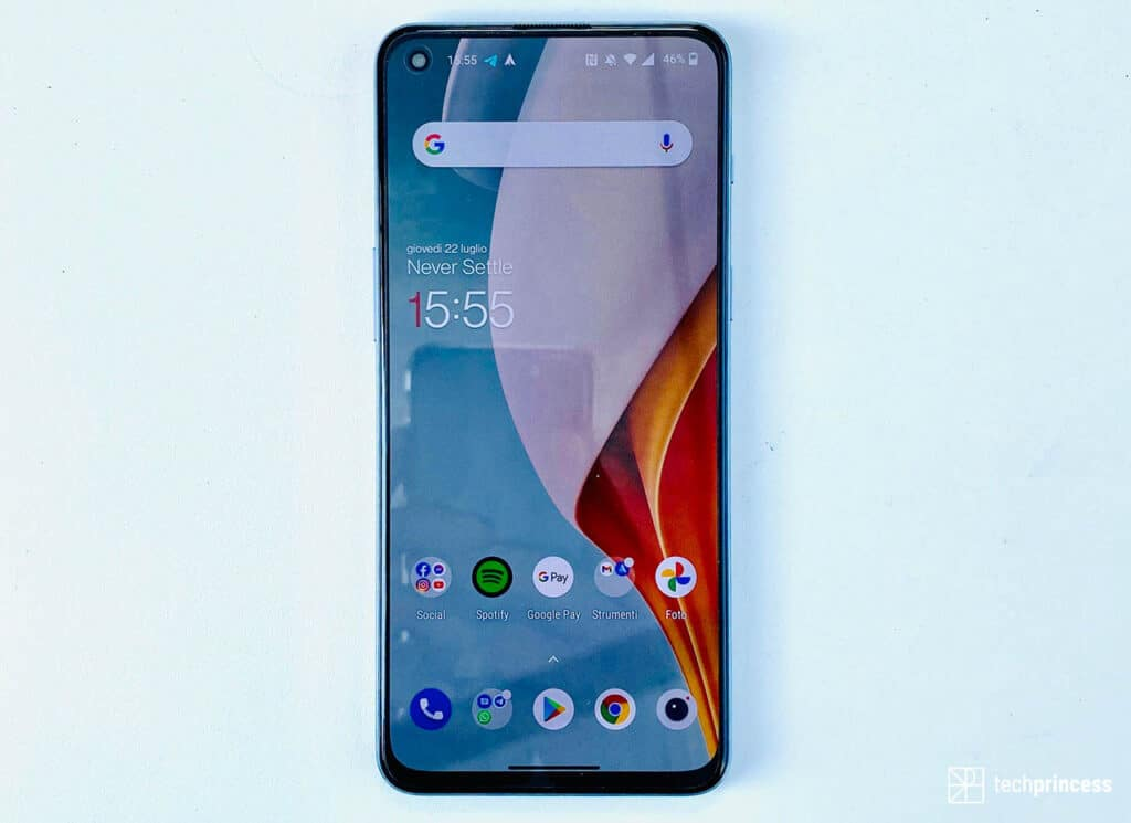 OnePlus Nord 2 recensione display