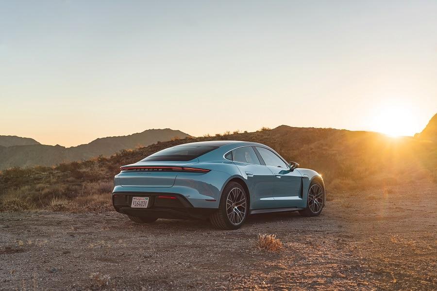 Porsche taycan richiamo posteriore