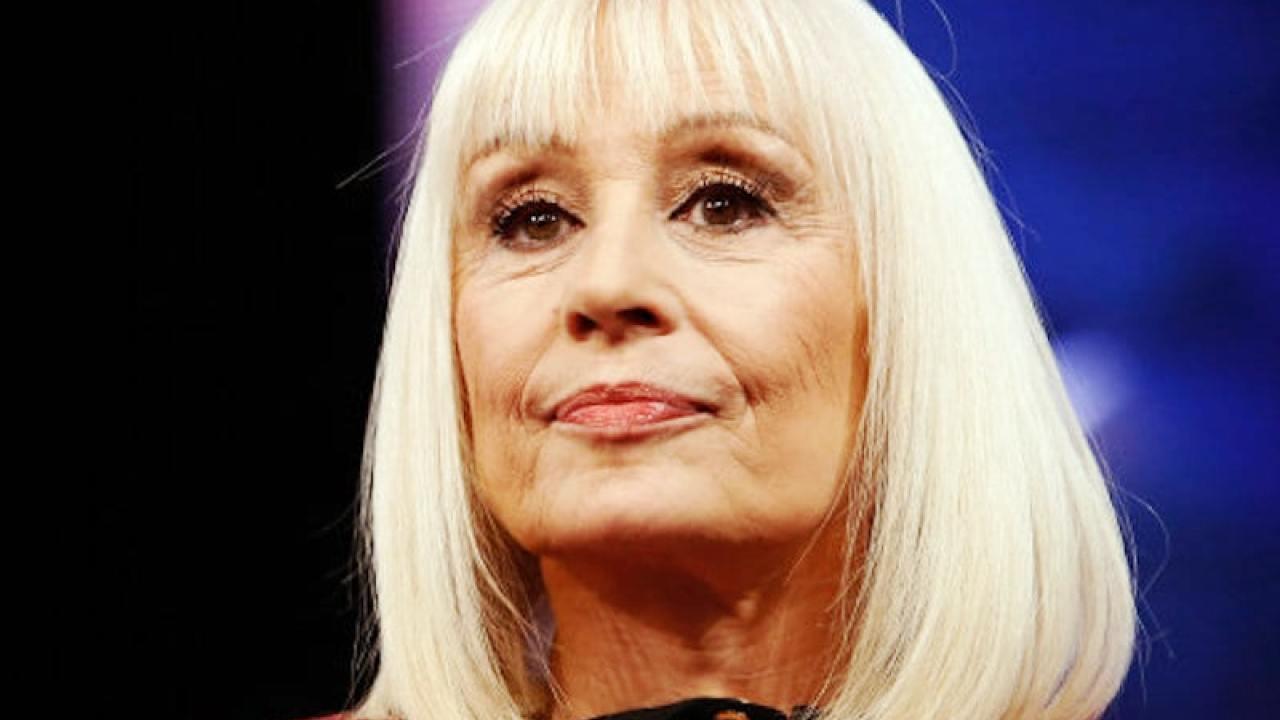 È morta Raffaella Carrà: la showgirl aveva 78 anni thumbnail