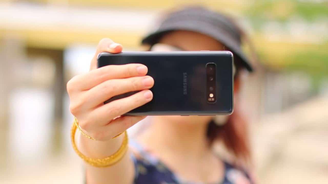 ReDraw, l'App che trasforma i selfie in un quadro di Picasso thumbnail