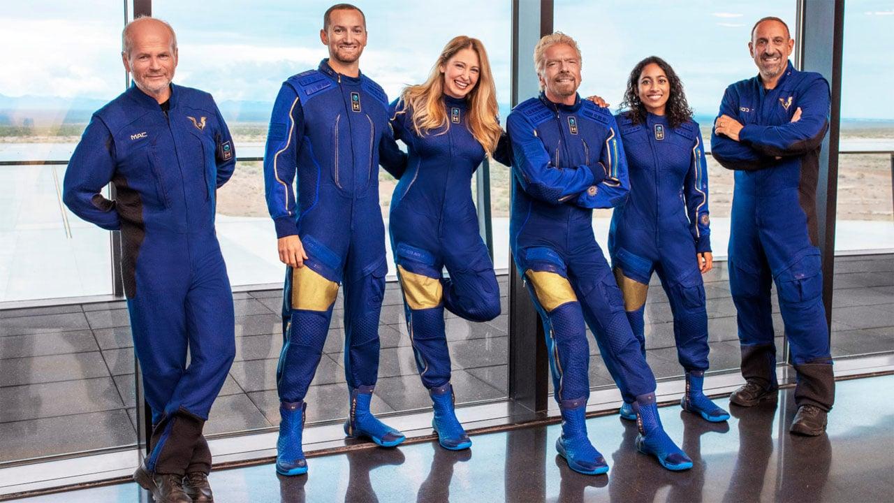 Turismo spaziale, Richard Branson volerà nello spazio prima di Jeff Bezos thumbnail