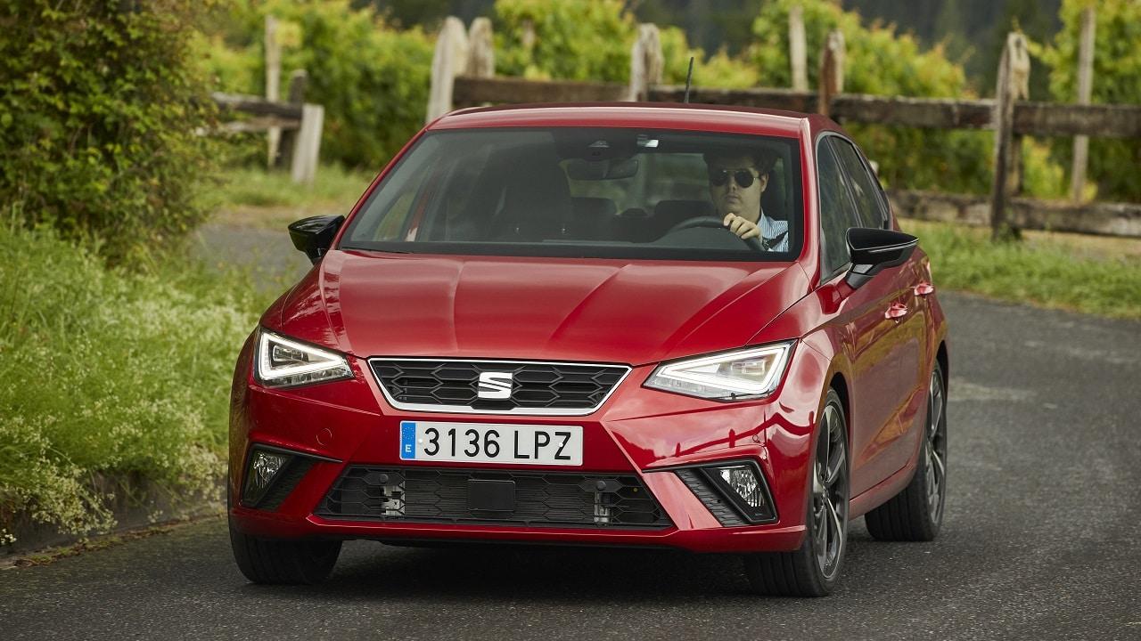 SEAT Ibiza FR, test drive della 1.5 TSI: l'auto perfetta per un giovane sportivo thumbnail
