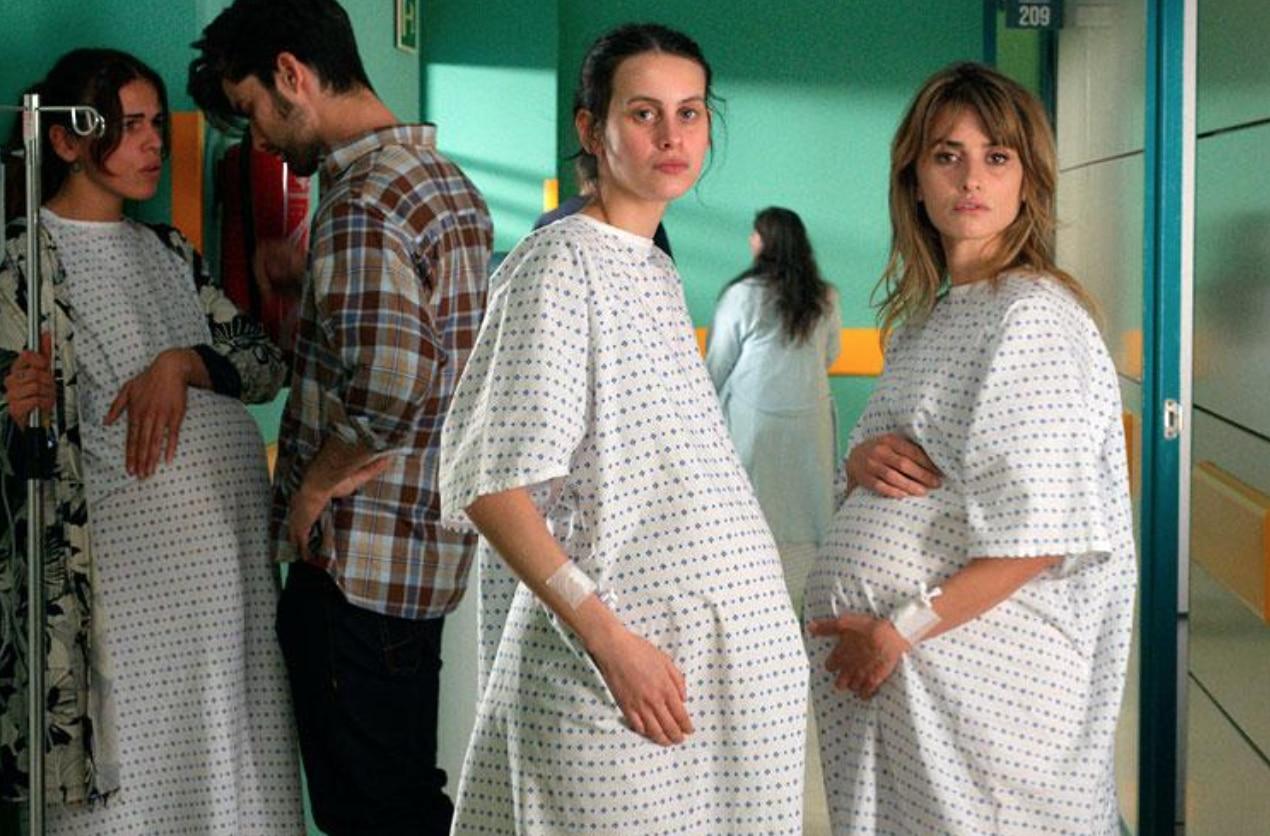 Madres Paralelas: il teaser trailer del film di Pedro Almodóvar thumbnail