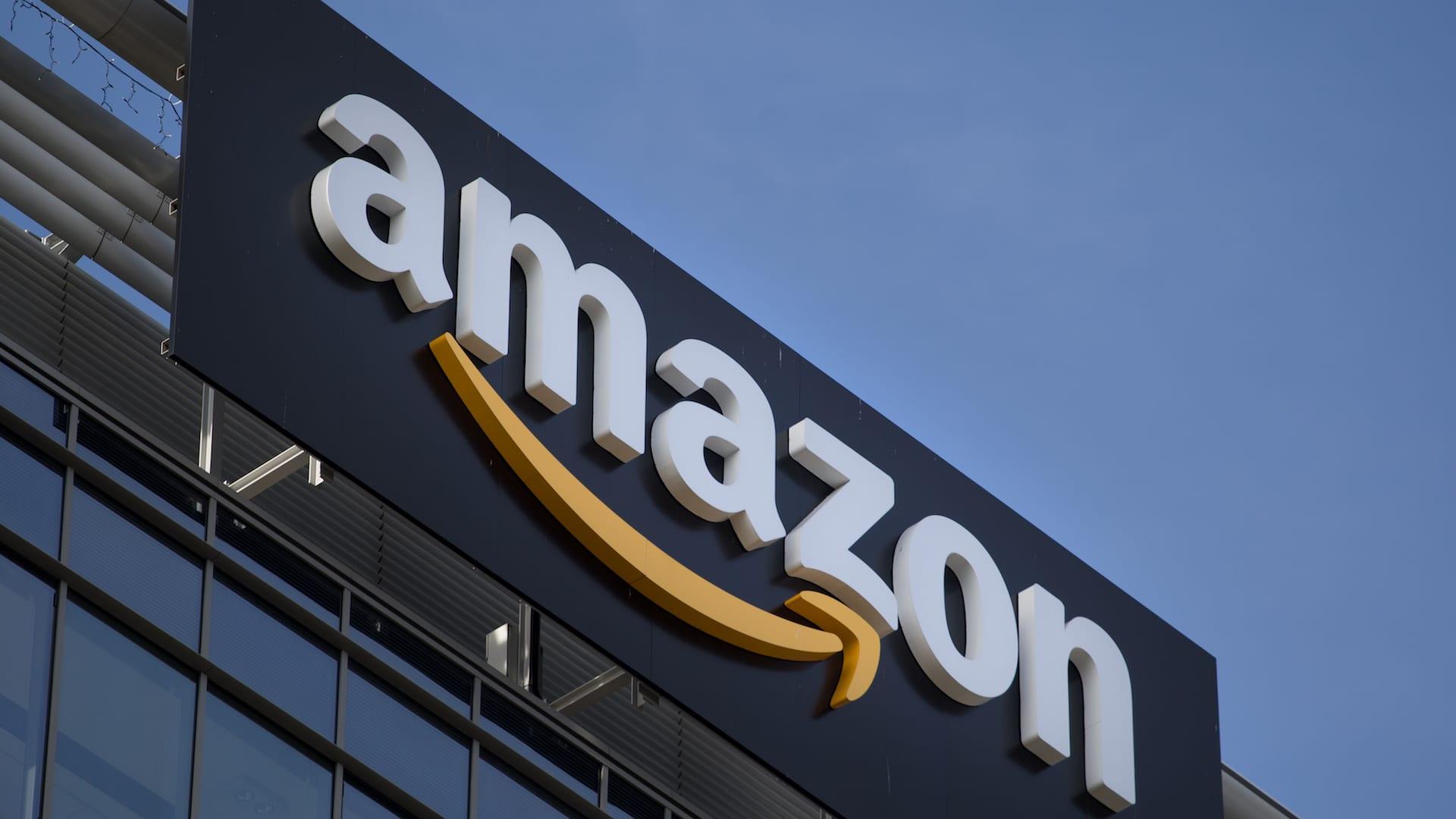 Se paghi con Visa hai il 10% di sconto su Amazon thumbnail