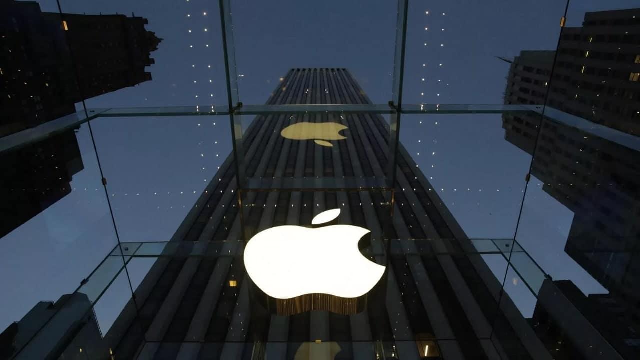 Apple domina il mercato degli smartphone premium: merito degli iPhone 12 thumbnail