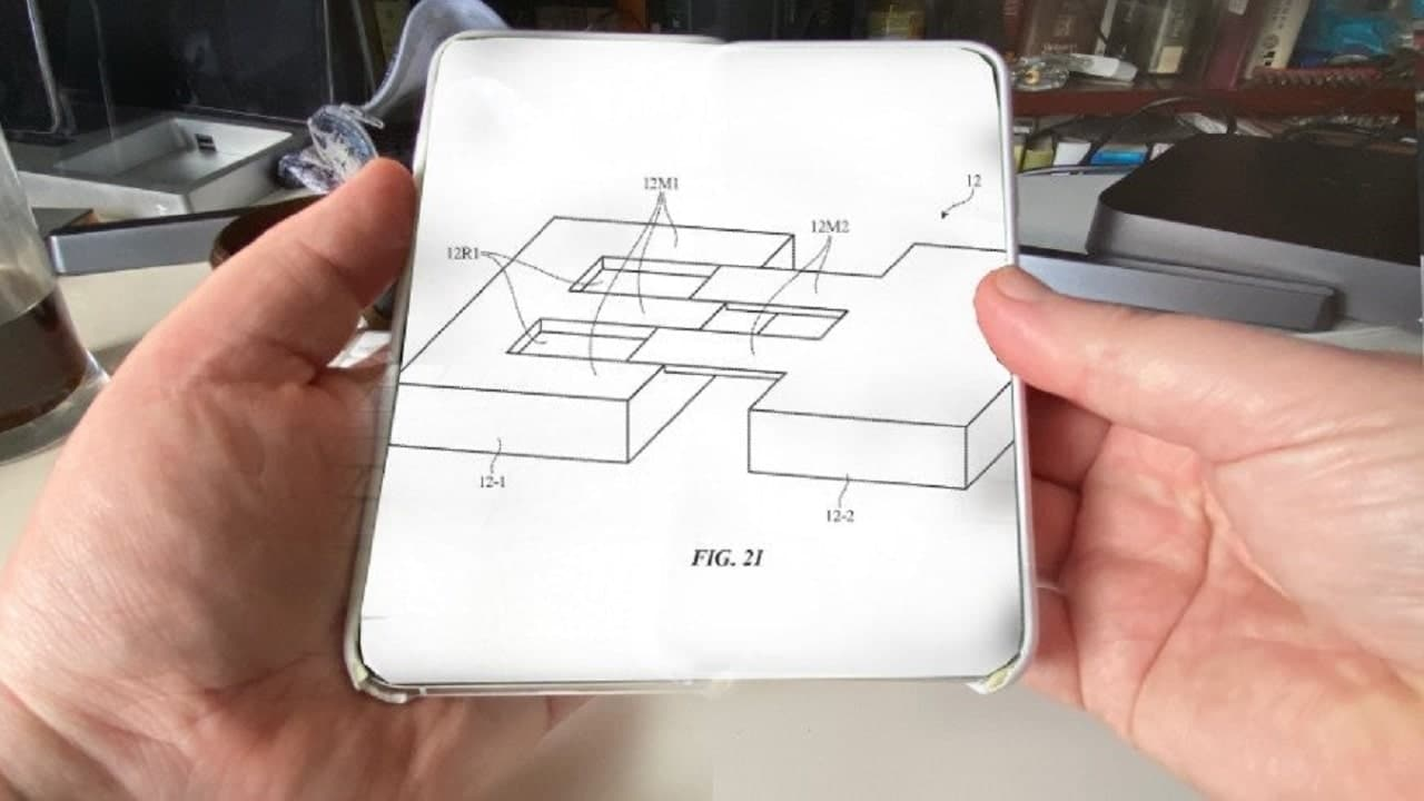 Apple brevetta uno schermo espandibile per gli iPhone thumbnail