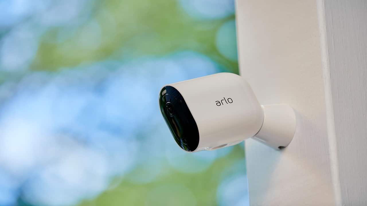 Arlo annuncia la videocamera Pro 4 con connessione diretta wi-fi thumbnail