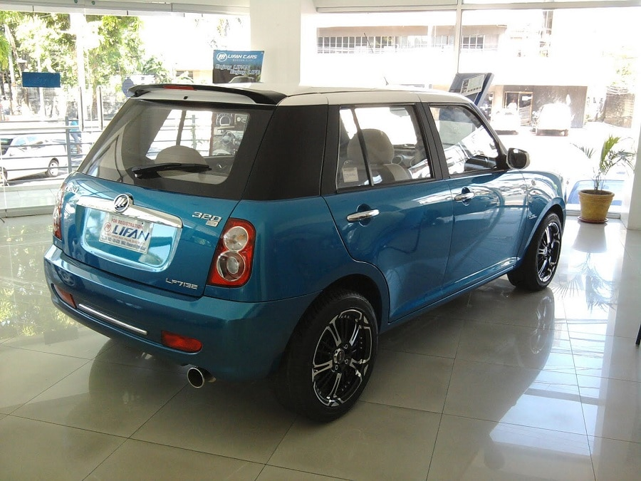 auto copie cinesi lifan 320 posteriore1