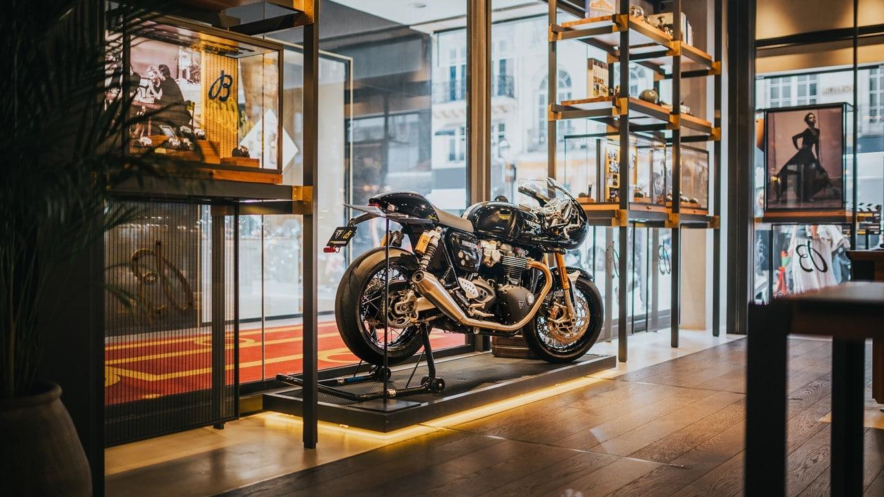 Breitling e Triumph stringono una partnership: annunciato l'orologio in collaborazione thumbnail