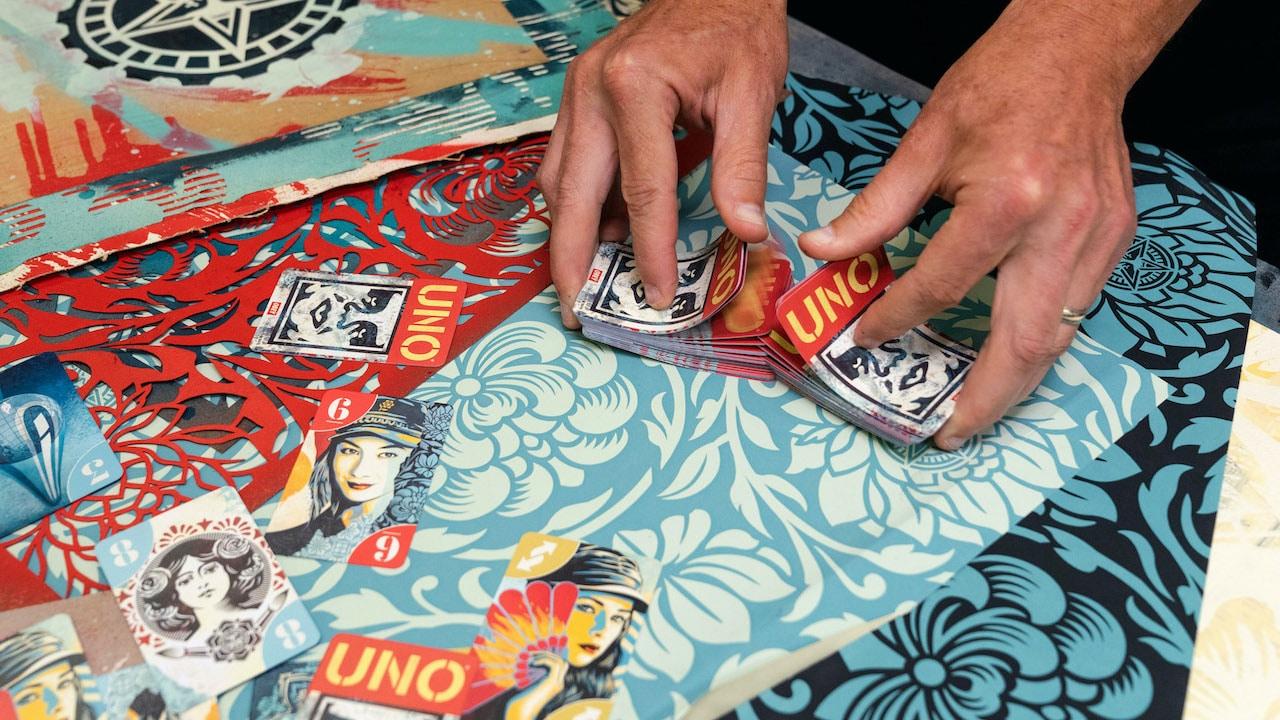 Mattel rilascia un mazzo di carte UNO dedicate a OBEY thumbnail