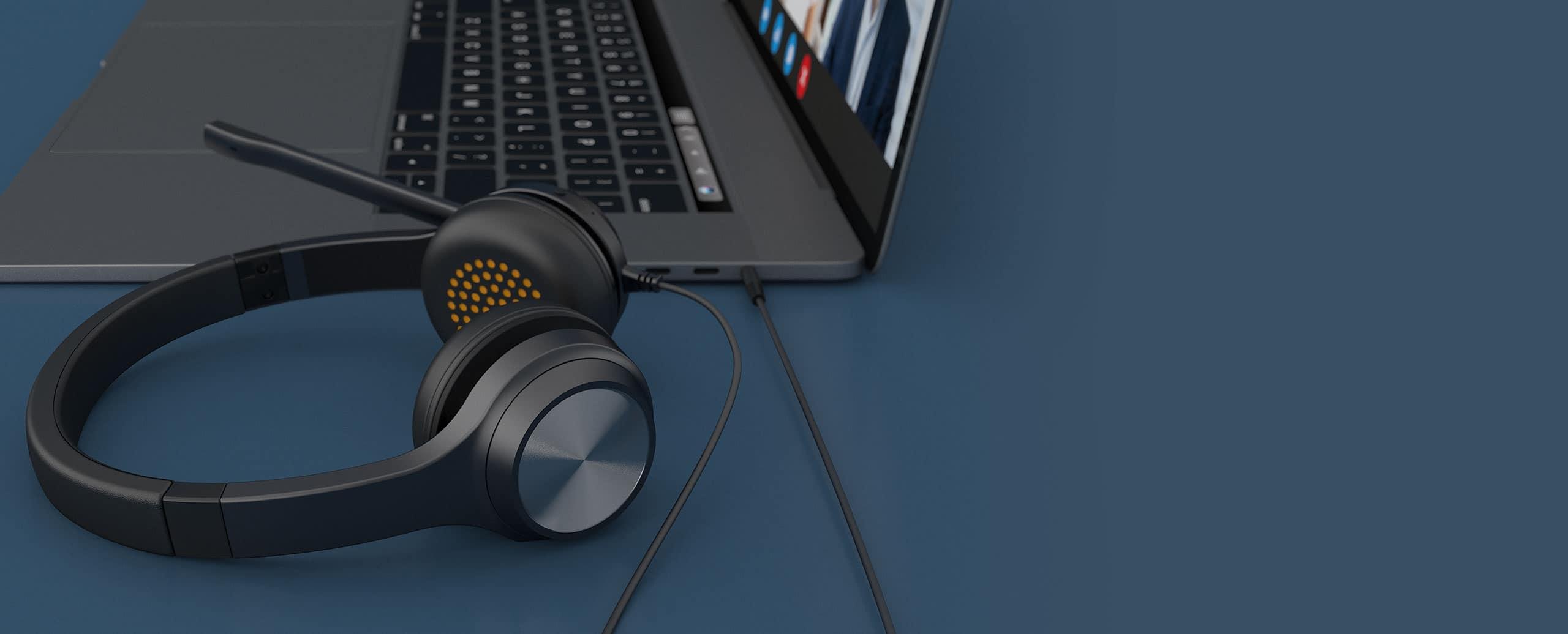 Creative Chat: il nuovo headset plug-and-play per le comunicazioni online thumbnail