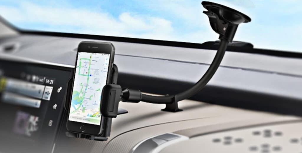 consigli viaggio auto supporto smartphone