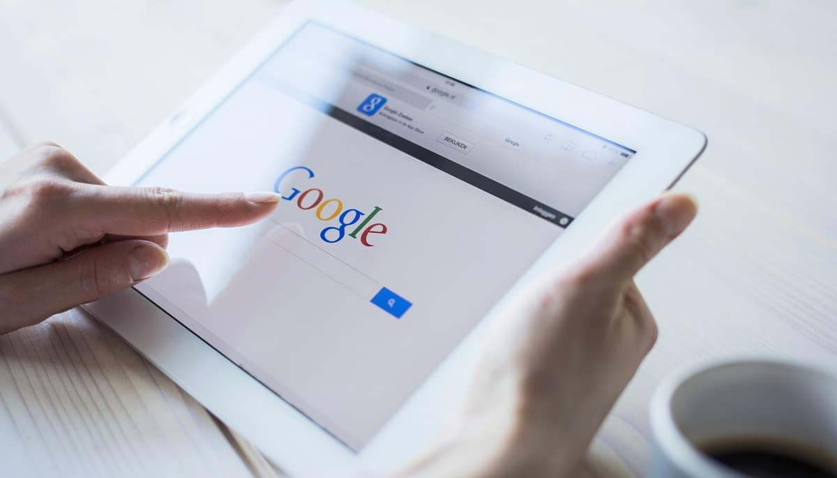 Google permette di cancellare la cronologia di ricerca degli ultimi 15 minuti thumbnail