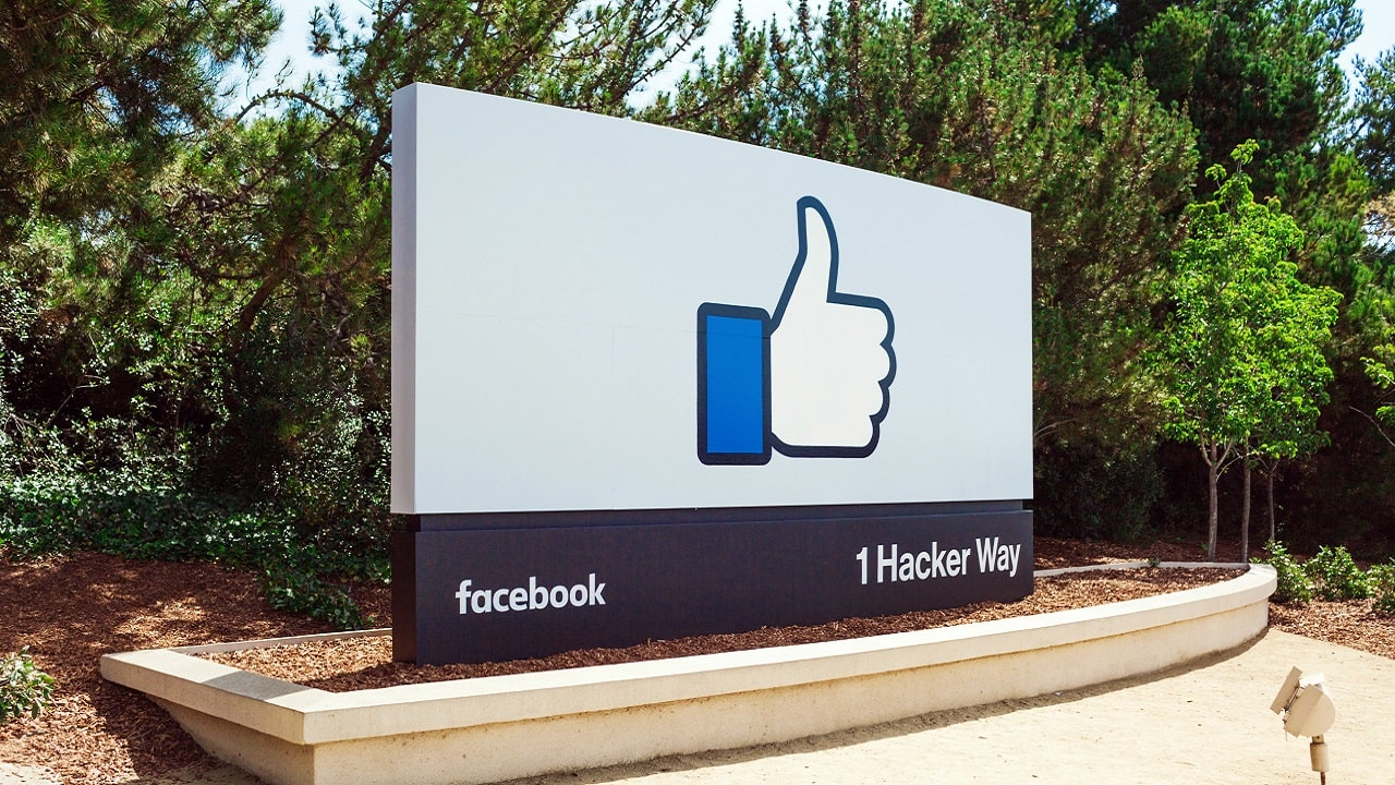 Facebook investe nel metaverso: 10 mila posti di lavoro in UE thumbnail