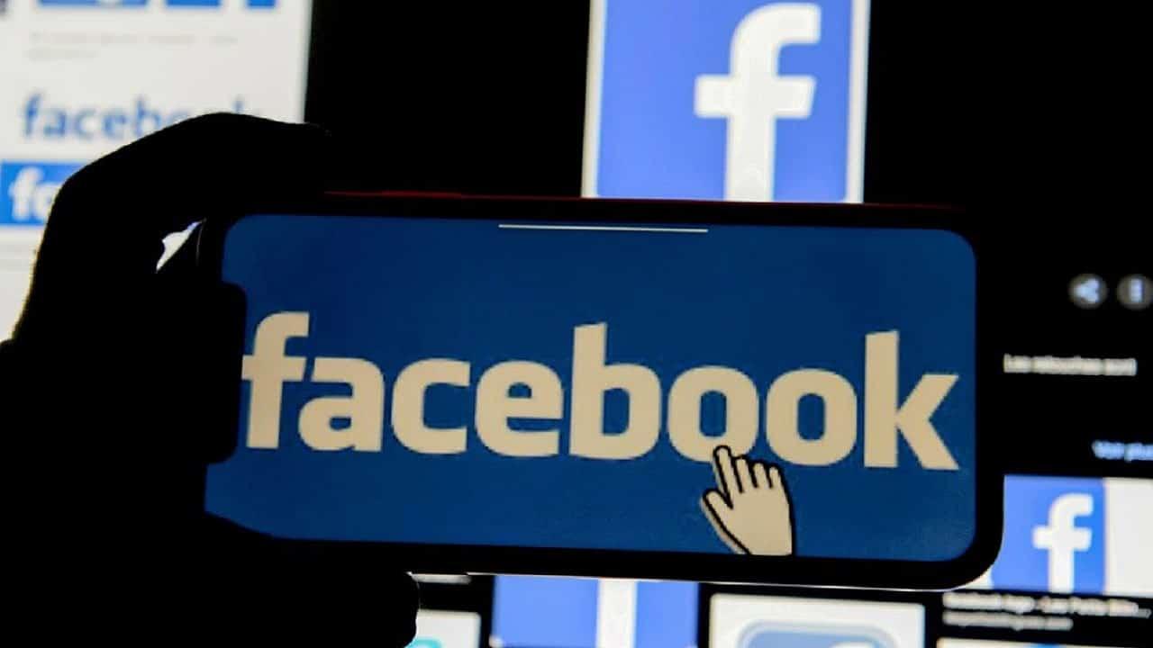 Un deputato chiede di punire Facebook: cosa succede? thumbnail