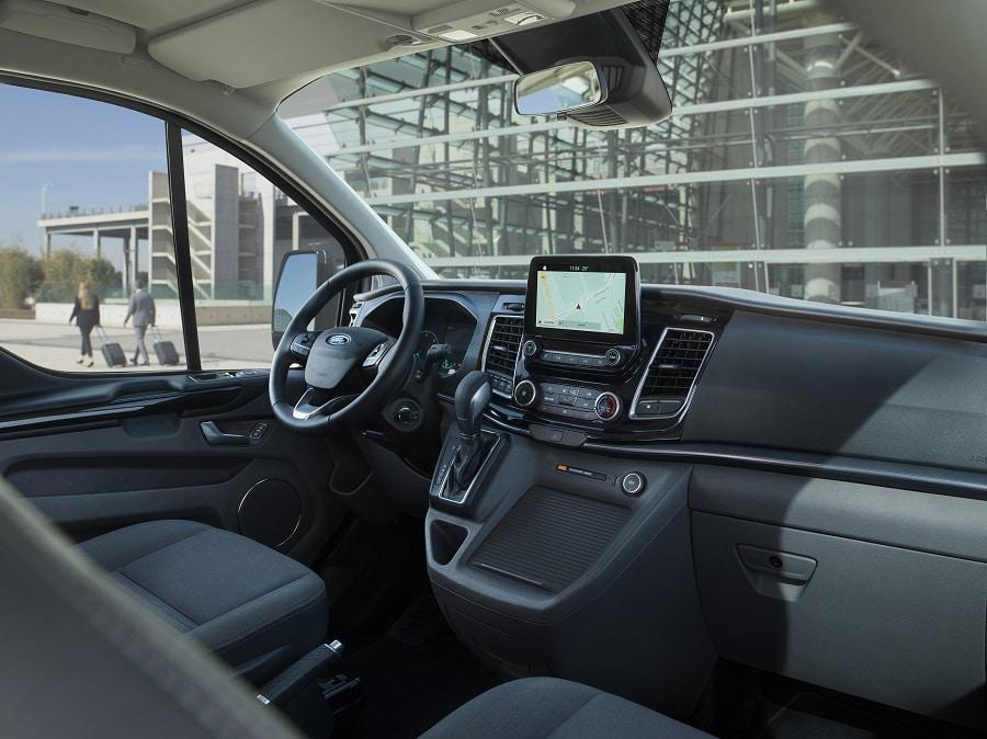 ford-transit-custom plug in interni