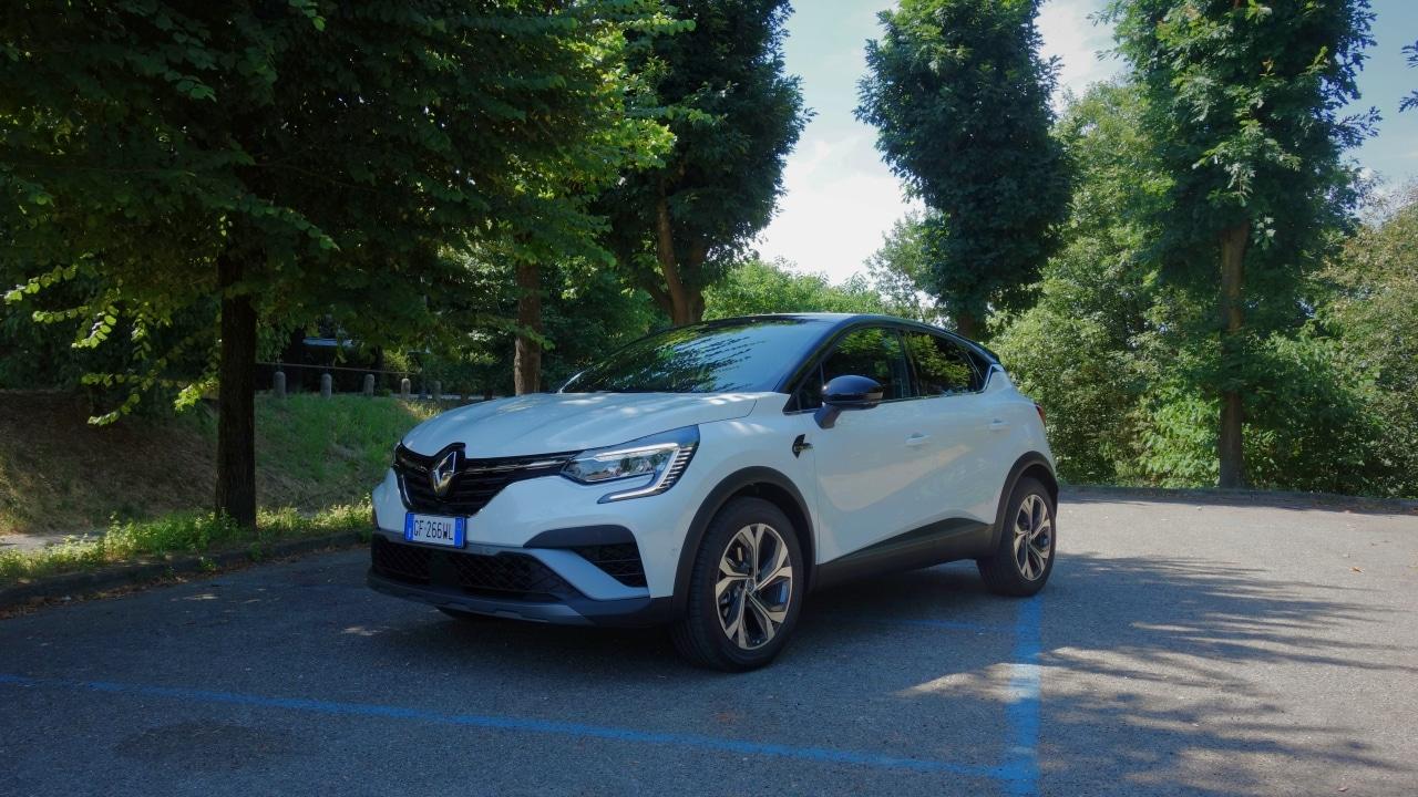 Renault Captur E-Tech Hybrid, la prova su strada: tranquilla, fluida e con consumi eccezionali thumbnail
