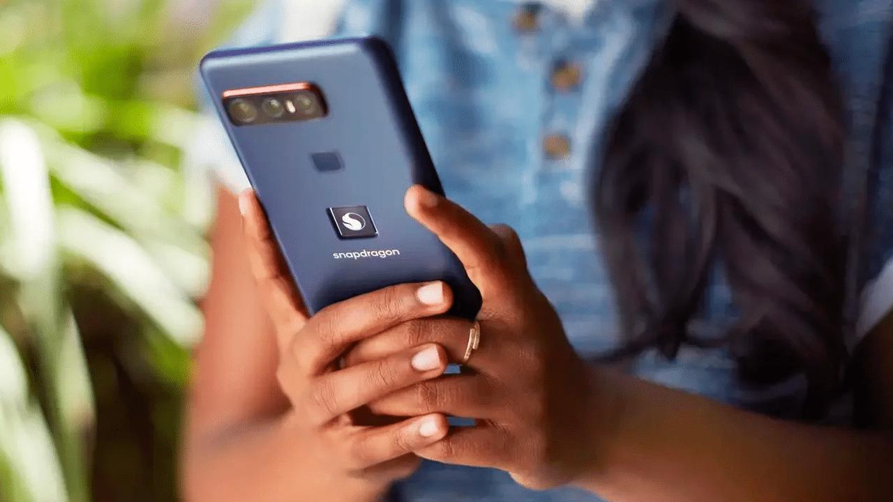 Arriva (finalmente) lo smartphone di Qualcomm thumbnail